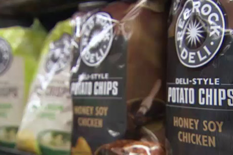 Chips and Dip. Are most of NZ's chips cooked in palm oil? Can you avoid buying the ones that are? When it comes to dip, are they all created equal? Carolyn sorts the healthy 