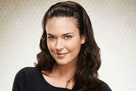 Odette Annable (as Dr. Jessica Adams)