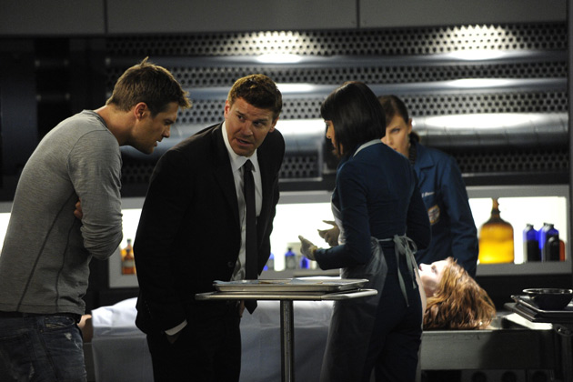 """(L-R): Walter Sherman (George Stults), Special Agent Seeley Booth (David Boreanaz), Dr. Camille Saroyan (Tamara Taylor) and Dr. Temperance 'Bones' Brennan (Emily Deschanel) in """"The Finder""""."""