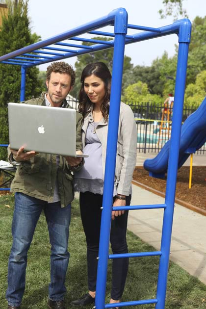 "(L-R): Dr. Jack Hodgins (T.J. Thyne) and Angela Montenegro (Michaela Conlin) in ""The Pinocchio In The Planter""."