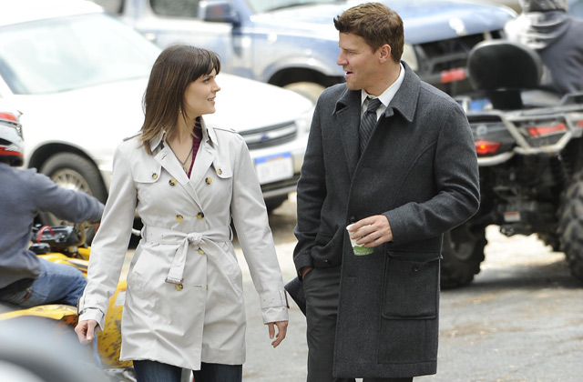"(L-R): Dr. Temperance 'Bones' Brennan (Emily Deschanel) and Special Agent Seeley Booth (David Boreanaz) in ""The Turth In The Myth""."