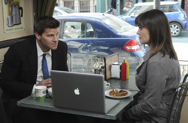 "(L-R): Special Agent Seeley Booth (David Boreanaz) and Dr. Temperance 'Bones' Brennan (Emily Deschanel) in ""The Truth In The Myth""."