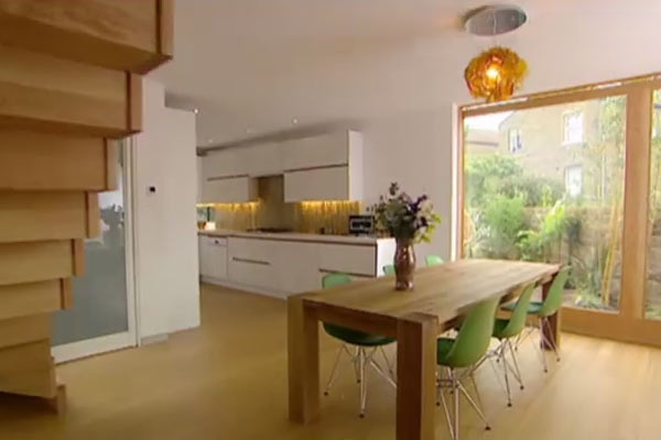 The Glass & Timber House - Grand Designs.