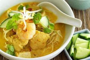 Malaysia: Penang - Chicken Curry Laksa
