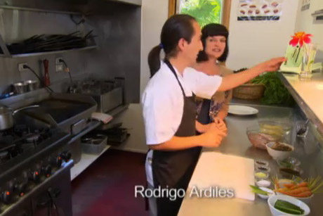 Julie visits Riverside Café in Nelson where she prepares several tantalising dishes to add to the Café's menu. Her visit also coincides with Harvest Festival celebrations.