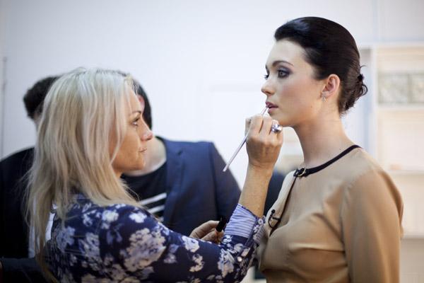 Antonia in makeup