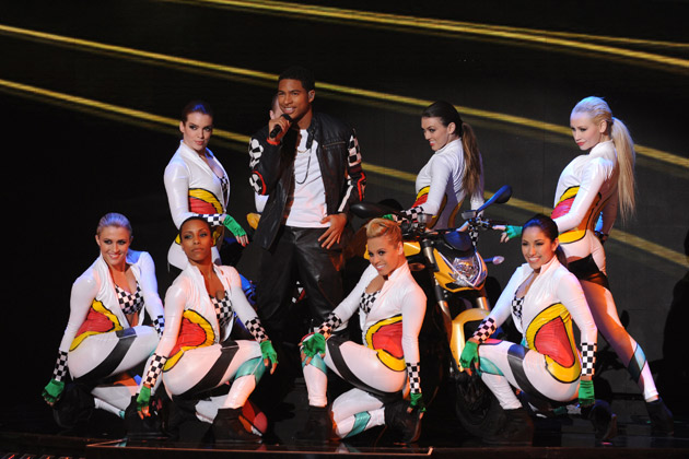 "Arin Ray, clad by THE X FACTOR dancers, performs ""American Boy"" by Estelle featuring Kanye West."