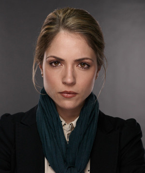 Brooke Nevin as Julianne Simms