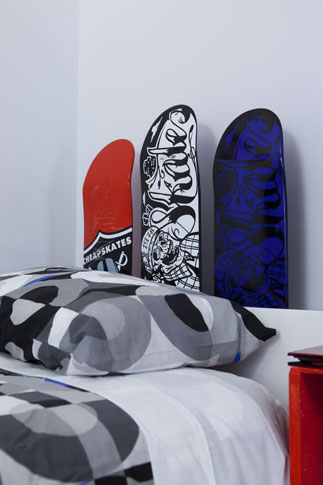 The skateboard headboard
