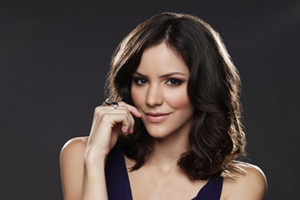Katharine McPhee as Karen Cartwright