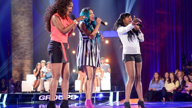 "RoXxy Montana rocked the crowd with their rendition of ""Man In The Mirror"" by Michael Jackson."