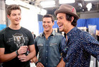 Alex Kinsey of Alex & Sierra hangs with Zach Beeken and Andrew Scholz of Restless Road.