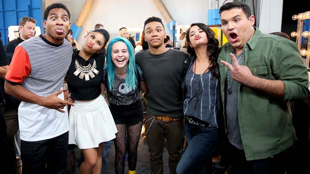 Ellona Santiago, Josh Levi, Khaya Cohen and Carlos Guevara got to hang with Season 2's Arin Ray and Beatrice Miller backstage!