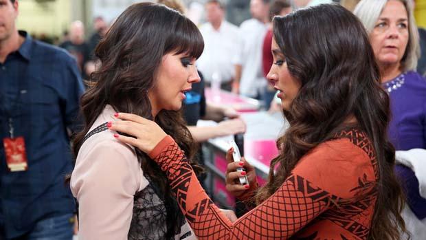 Sierra comforts Rachel