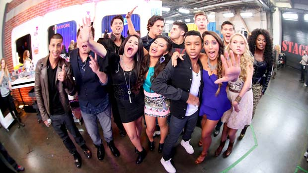 The Top 10 showed off their silly sides backstage before the Top 10 elimination show.