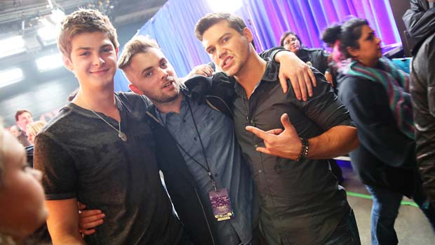 The boys from Restless Road make friends with the crew