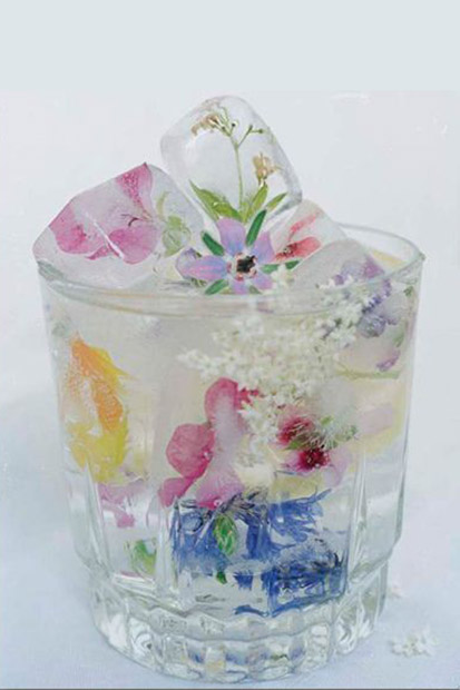 Use small flowers or herbs in your ice cubes to add a splash of colour to drinks.