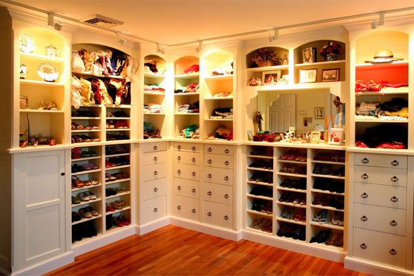 Lots of little lights add 'department store style' luxury to this wardrobe