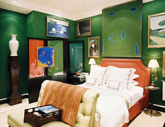 Rather like Alice and Caleb's challenge room, this room takes all green walls crashes it with paintings and sculptures and then throws orange into the mix. But it all looks very creative and exciting