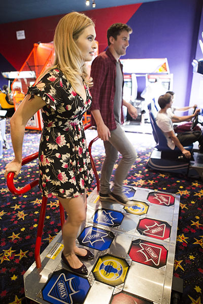 Axl and Hanna take a break and have some fun at the arcade