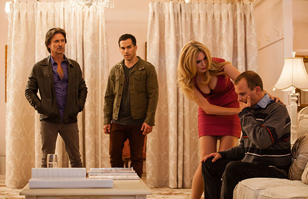 Mike and Ty try to help Hanna with her brother Martin who suffers mental health issues.