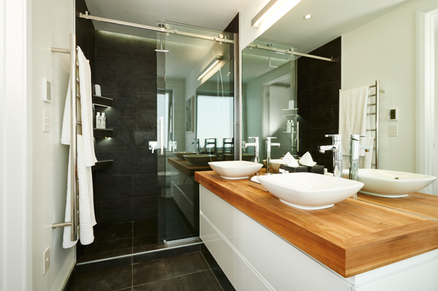 This bathroom just makes you want to relax and take a long hot shower
