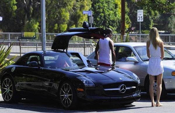 Eddie Murphy- Merecedes Benz SLS (complex.com)