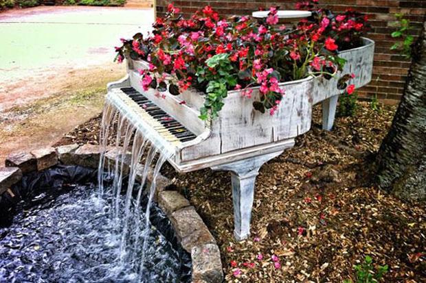 or as a garden fountain and plant box!