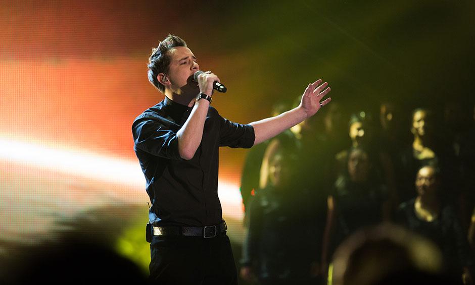 Joe sings take me to church