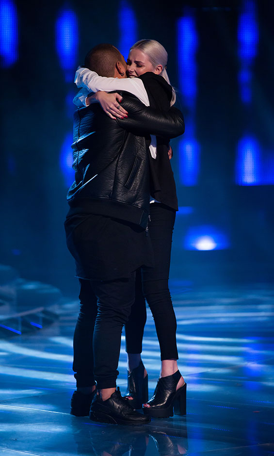 Lili and Stan hug it out after good result